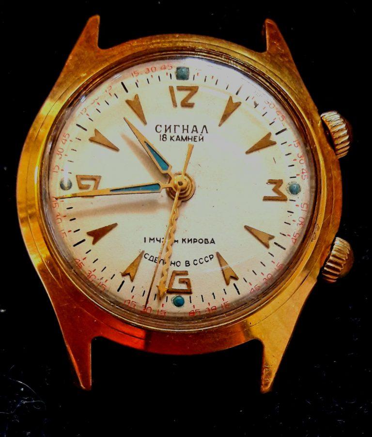 Старые антикварные наручные часы